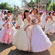 Праздник «Парад невест» фотографии