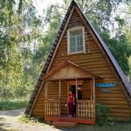 Село Кага и Свято-Никольская церковь фотографии