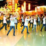 Танцевальный флешмоб «Уфа — самый танцевальный город России» фотографии