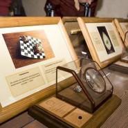 Выставка микроминиатюр «Диво под микроскопом» фотографии