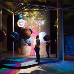 Выставка «Алиса в Стране наук»