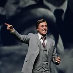 Сергей Безруков в спектакле « И жизнь, и театр, и кино...»