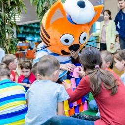 Три кота приглашают в детский клуб ТРЦ «Планета»