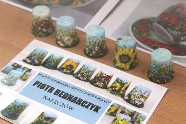 Выставка польских наперстков