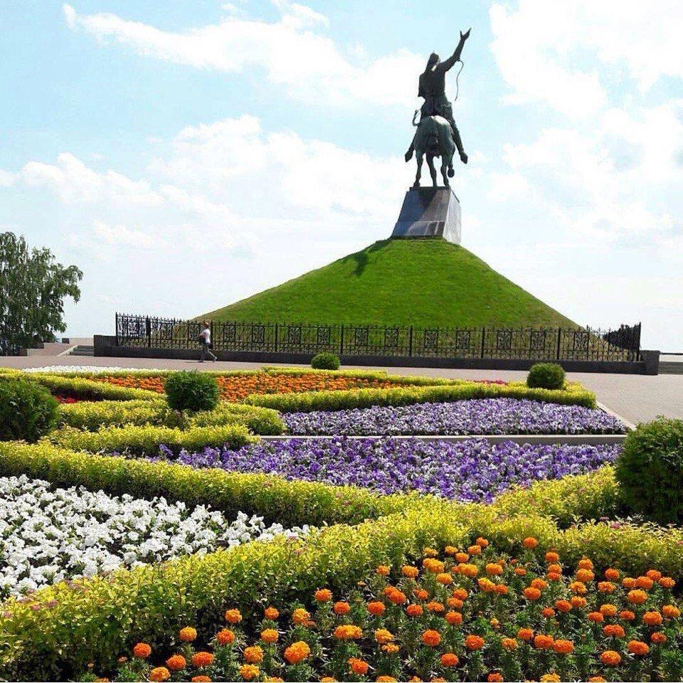 Площадь Салавата Юлаева