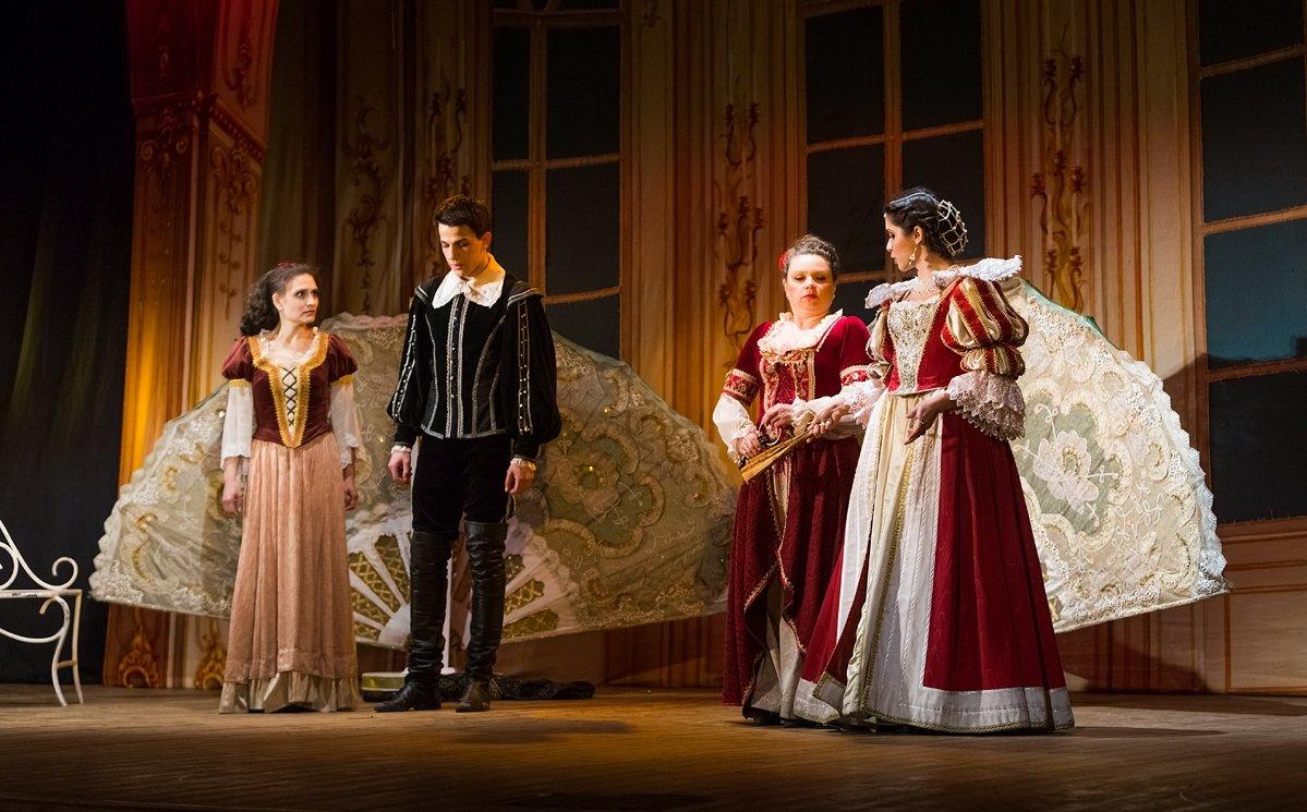Концерт театра «Петербургская оперетта «Собака насене»