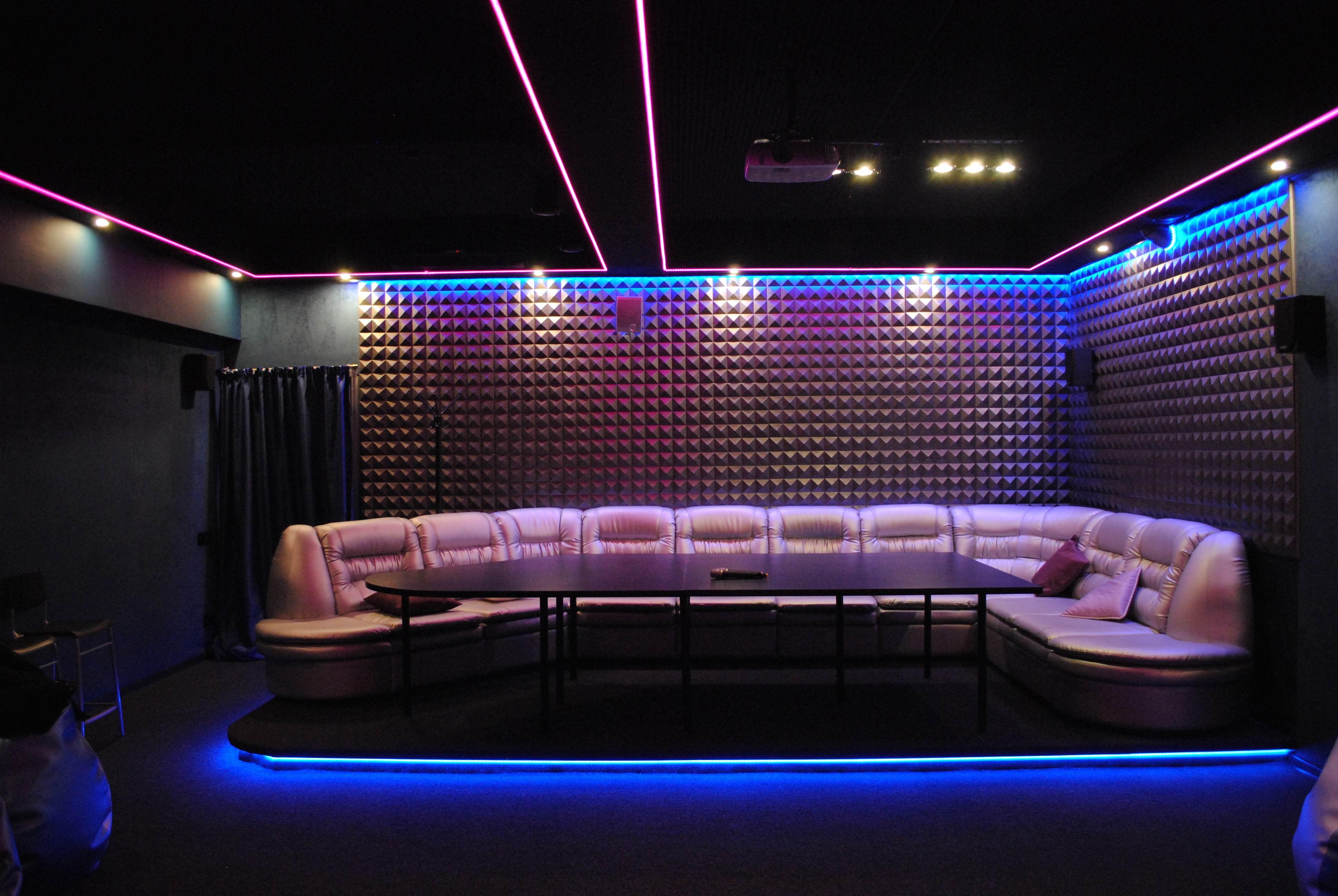 Кино-кафе «Lounge 3D cinema»