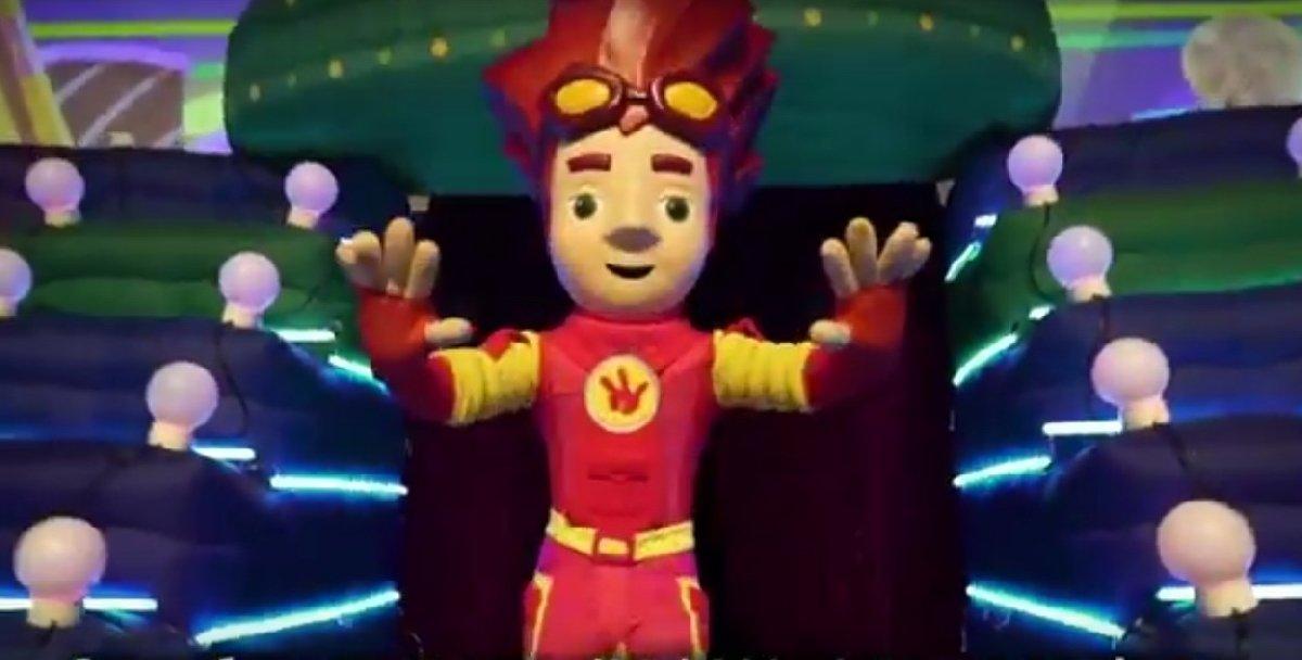 Новогоднее «Фикси-шоу» для детей