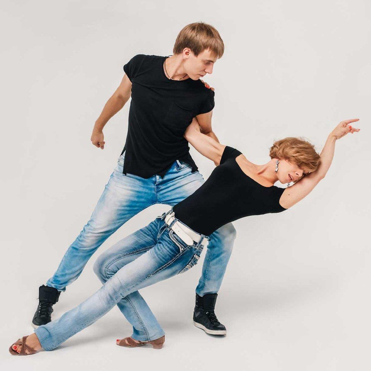 Курс парных танцев встиле West Coast Swing