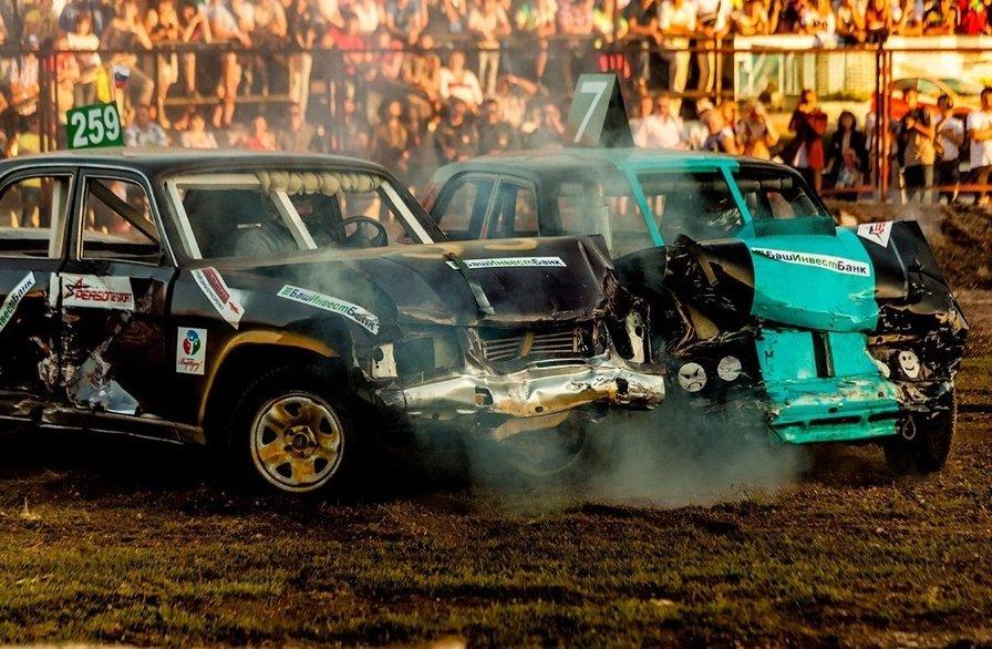 Автомобильные бои «Автореслинг»
