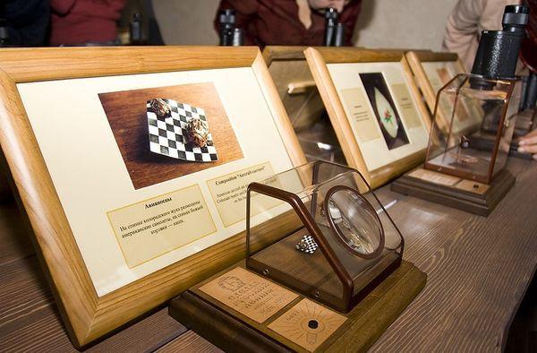 Выставка микроминиатюр «Диво под микроскопом»