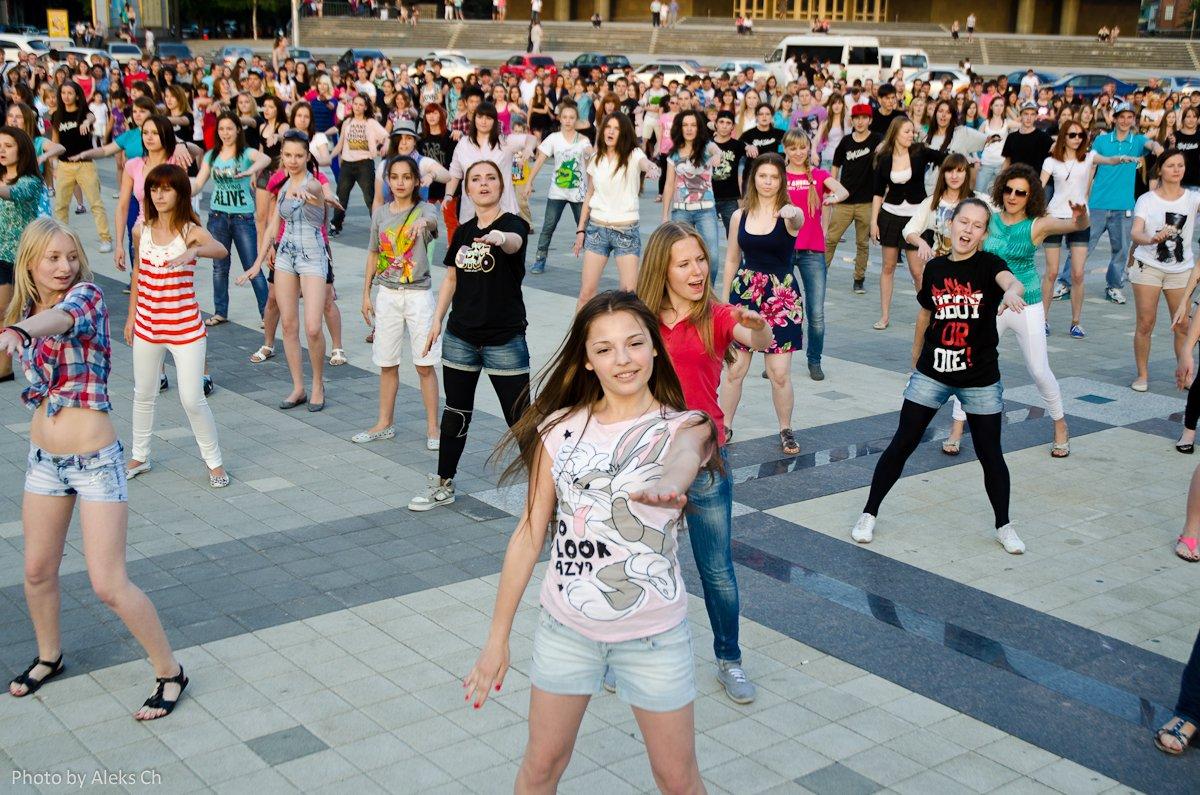 Танцевальный флешмоб «Уфа— самый танцевальный город России»