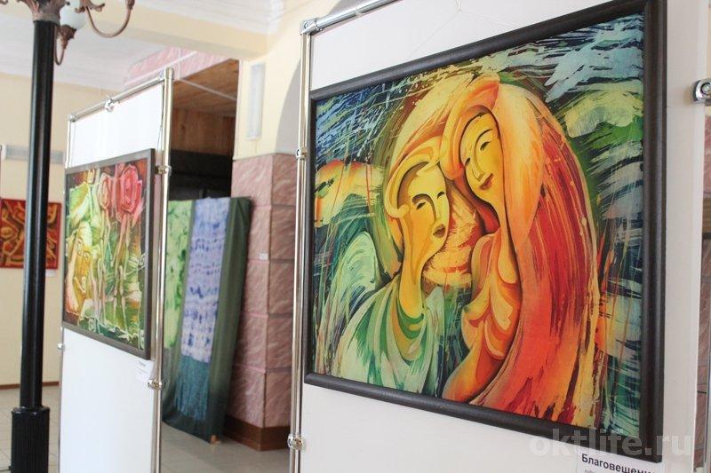 Выставка произведений втехнике горячего батика— Виталия Шаповалова.