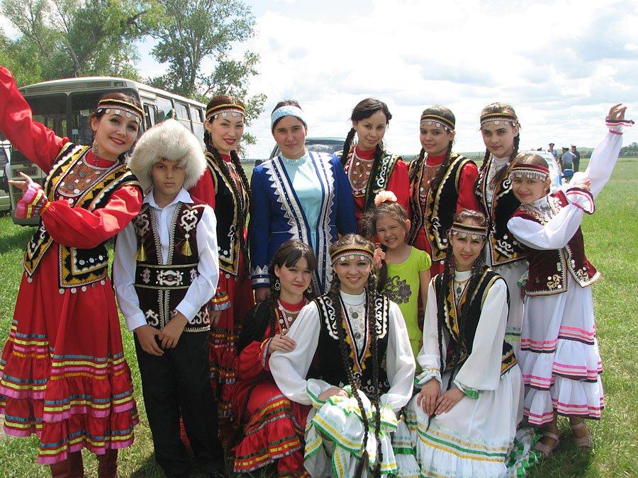 Марш-парад национальных костюмов